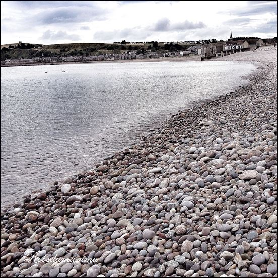 stonehaven beach